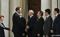 Membrii Guvernului Grindeanu au fost audiaţi şi au primit votul Parlamentului, după care au depus jurământul în prezenţa preşedintelui Klaus Iohannis