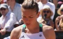 Simona Halep ratează cea de-a treia şansă de a deveni numărul 1 mondial. De luni Simona Halep va fi la doar cinci puncte de liderul clasamentului WTA, Karolina Pliskova