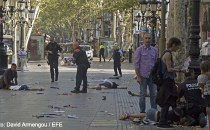 Cel puțin 13 morţi și circa 100 de răniți în urma unui atac terorist comis pe artera La Rambla din Barcelona