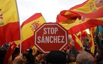 Dreapta şi extrema dreaptă din Spania au protestat la Madrid împotriva premierului socialist Pedro Sanchez