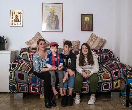 Liliana și cei trei copii pe care i-a născut în Spania David, Emanuel și Sara