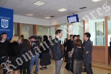 Ghişee la Secţia Consulară de la Madrid