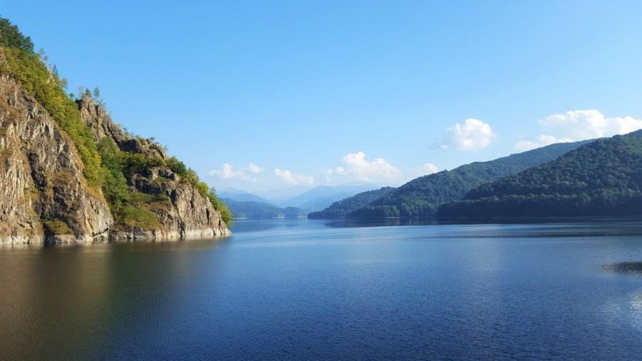 Lacul Vidraru Romania