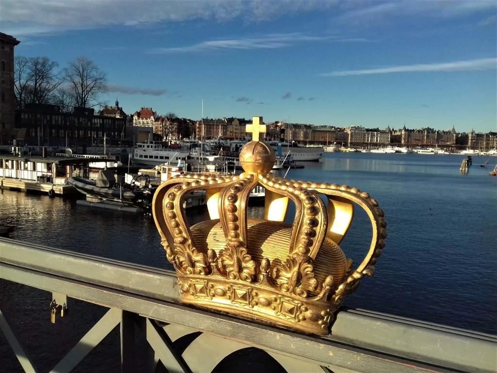 Шведская корона на мосту