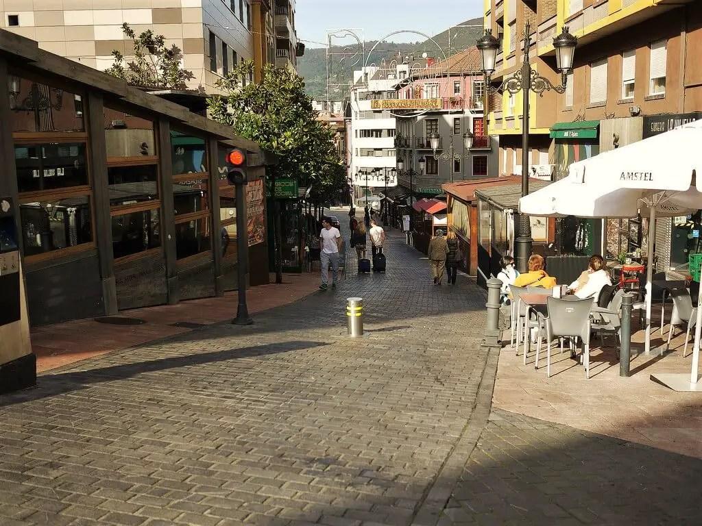 Улица сидра Овиедо, Испания