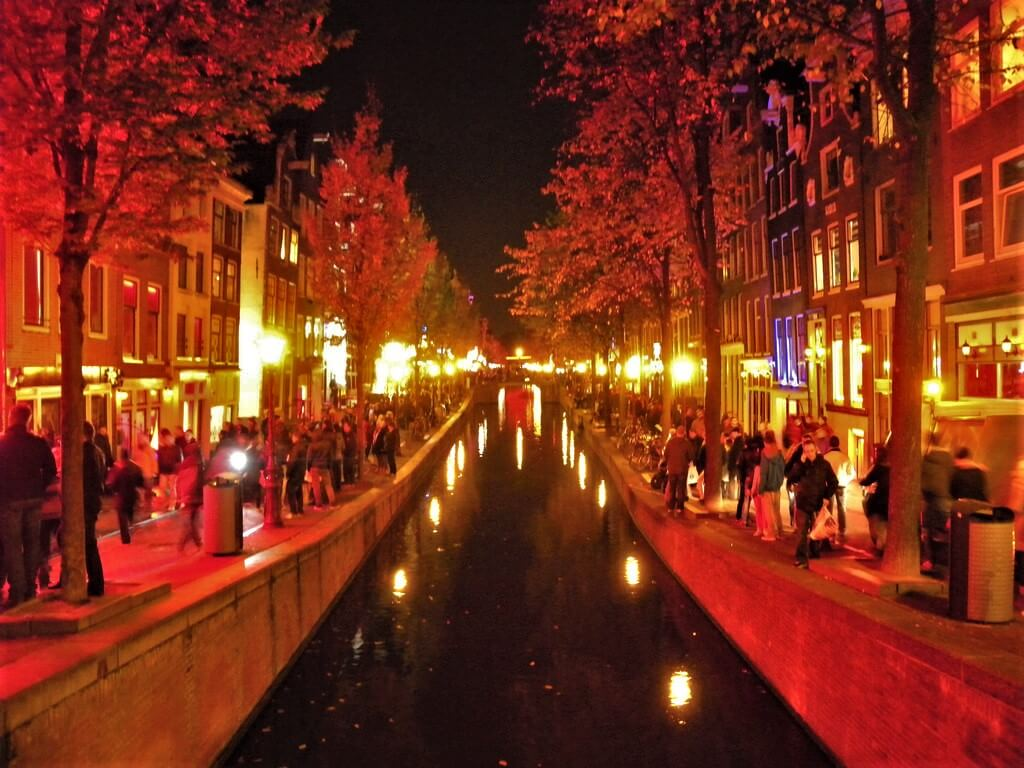 Crowded, but beautiful red light district in Amsterdam