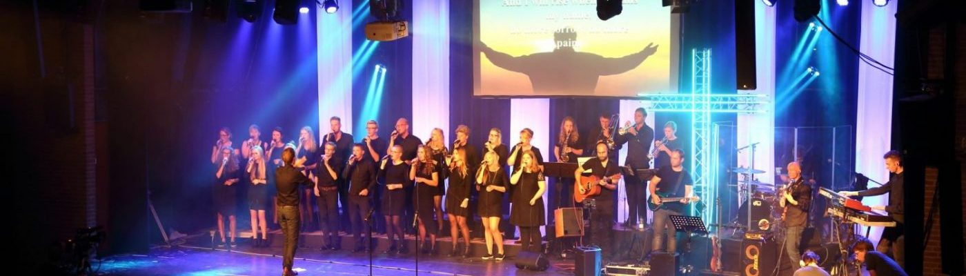 Gospelkoor Romans Twelve zingt I Will Rise van Chris Tomlin. - Informatie over ons