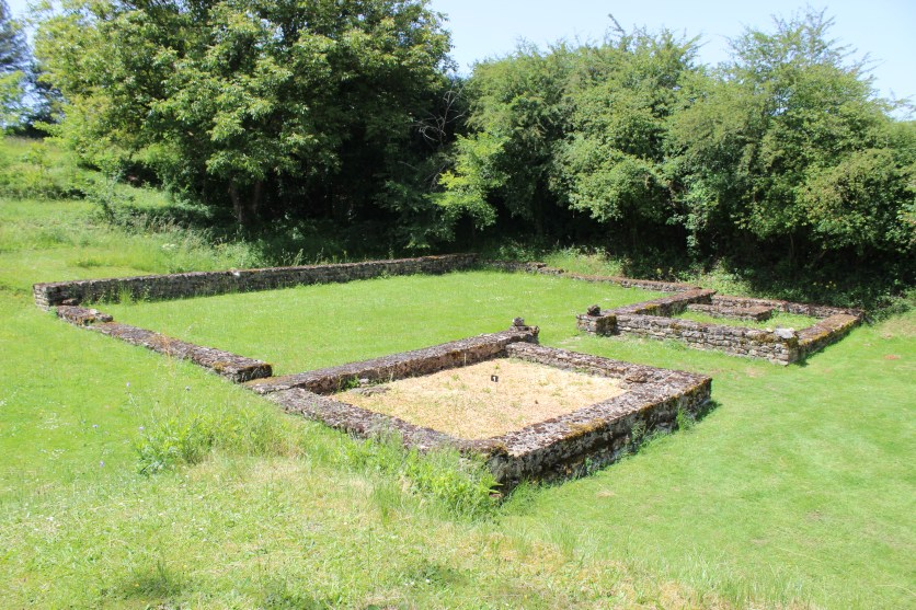 Late Roman buildings at Fontaines Sallees