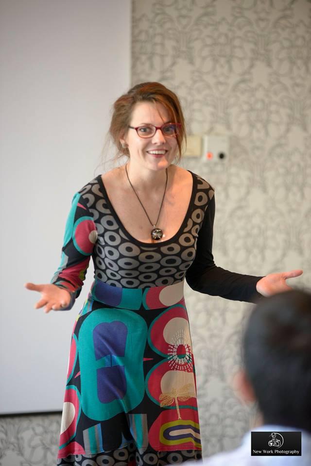 Emilia Bradea sau vorbitul în public la rang de artă