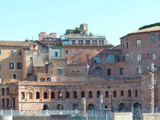 I Mercati di Traiano sono un insieme di strutture di servizio.