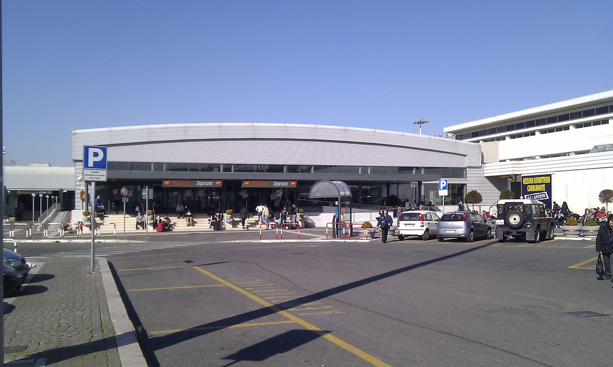 How do I get to and from Ciampino Airport?