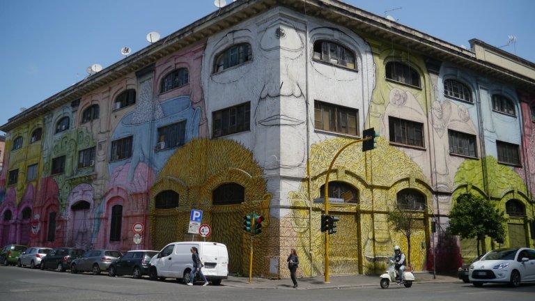 Graffiti Street Art in Rome, Rome Vacation Tips