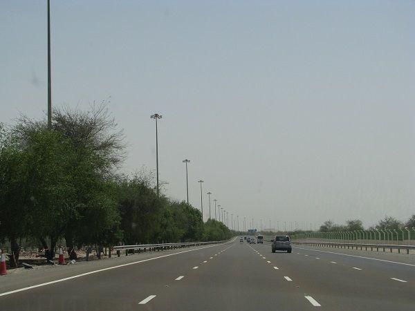 abu-dhabi-dubai-green-motorway