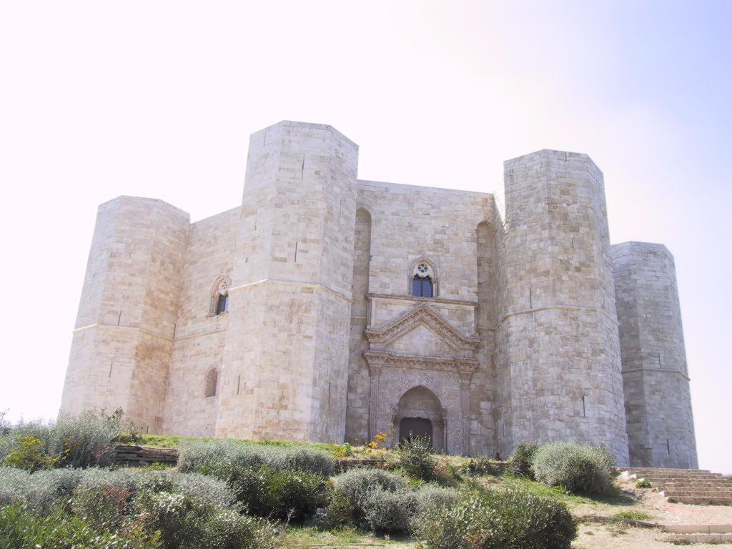 Castel del Monte – Monumento all'esoterismo – Tempio Iniziatico