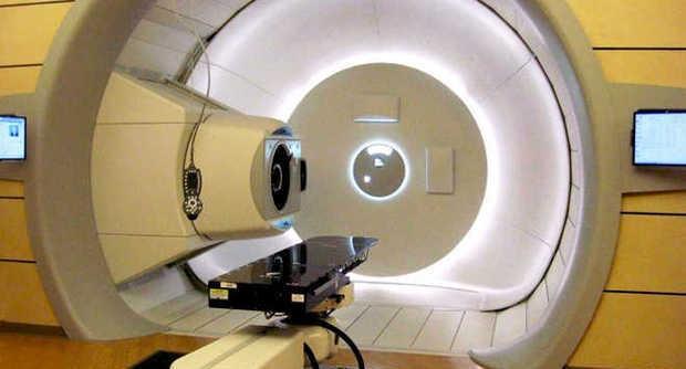 Bimba di 9 anni malata di tumore curata con i protoni: è la prima volta in Italia