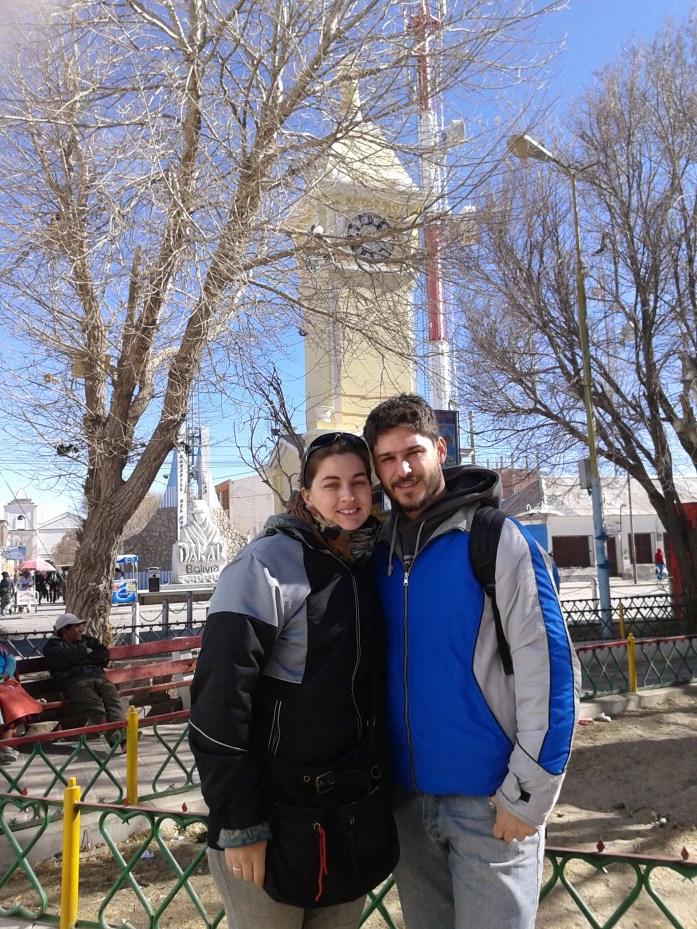 David y @rominitaviajera en Uyuni centro, Bolivia, 2014 | rominitaviajera.com