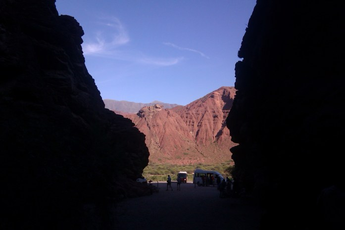 Anfiteatro natural, Valles Calchaquíes, Salta, Argentina, abril 2013 | viajarcaminando.org