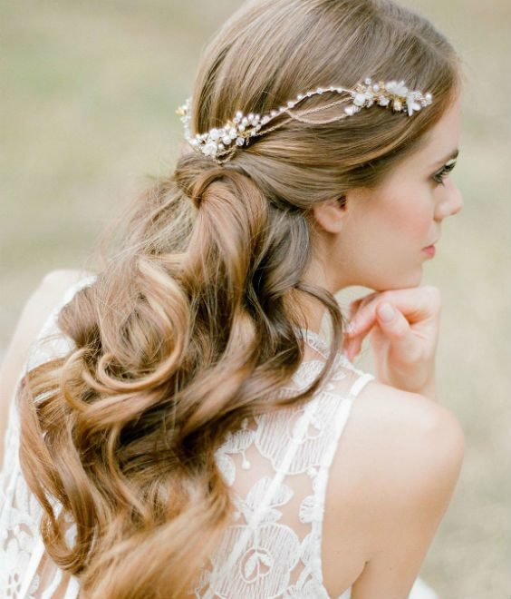 The Best Effortless Chic Boho Bridal Hairstyles For Carefree Bride Pictures