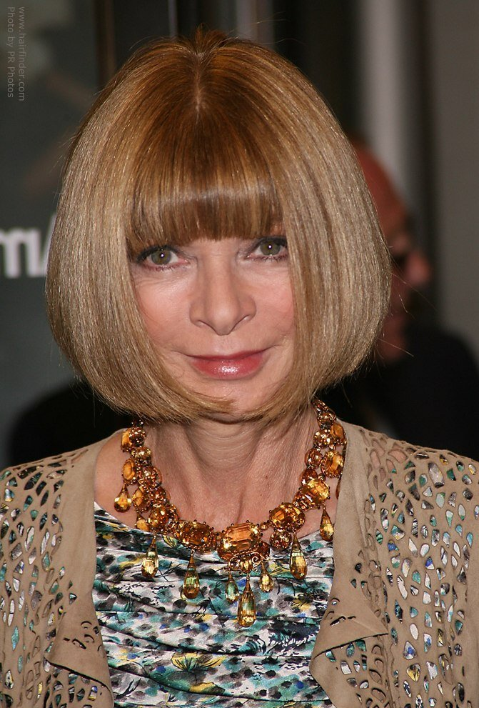 The Best Anna Wintour Wearing Her Hair In A Bob That Is Curved Pictures