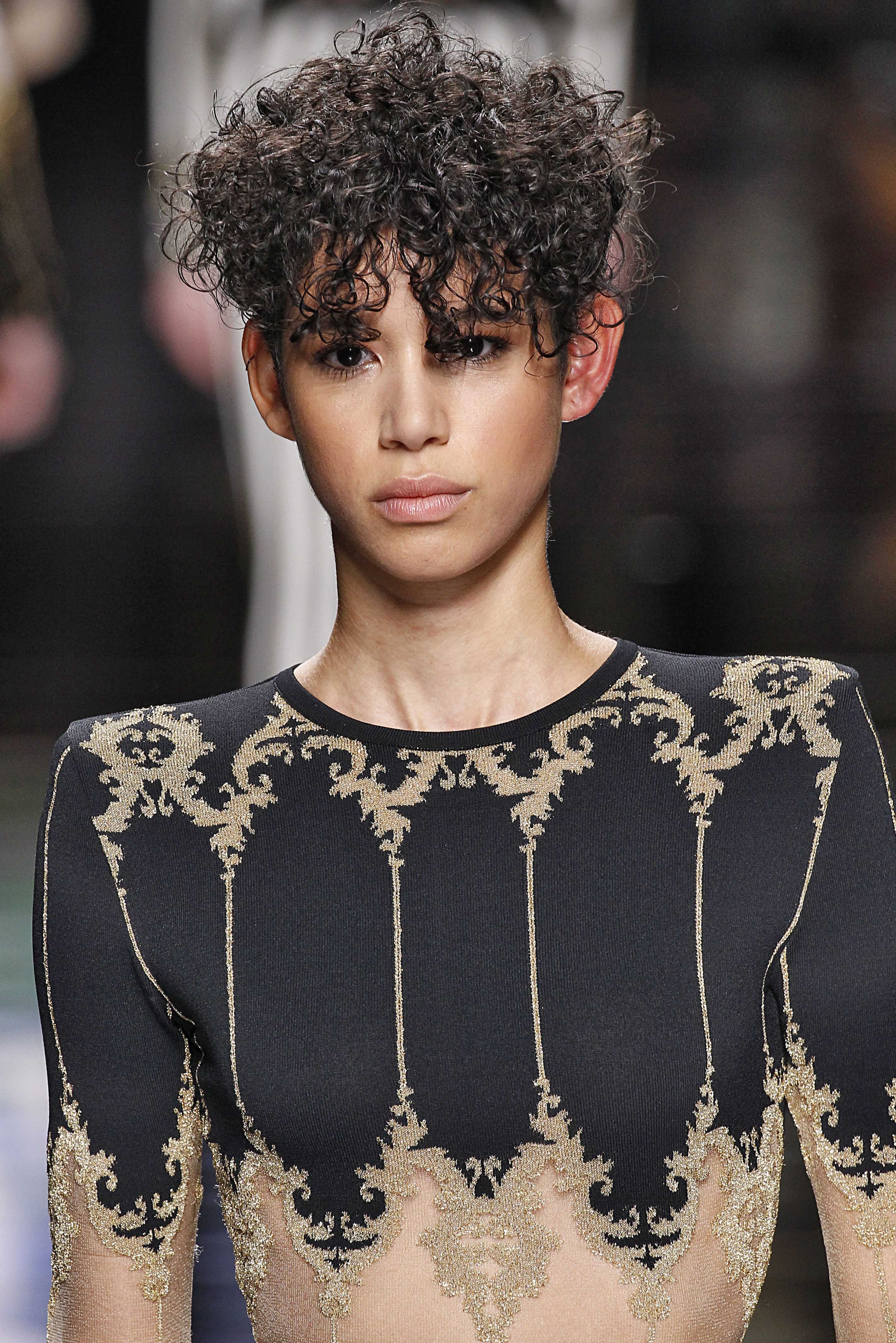 The Best Oval Faces Top 5 Short Haircuts For Curly Hair All Pictures