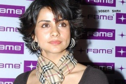 The Best Short Hairstyles For Sarees For Indian Women Over 50 Pictures