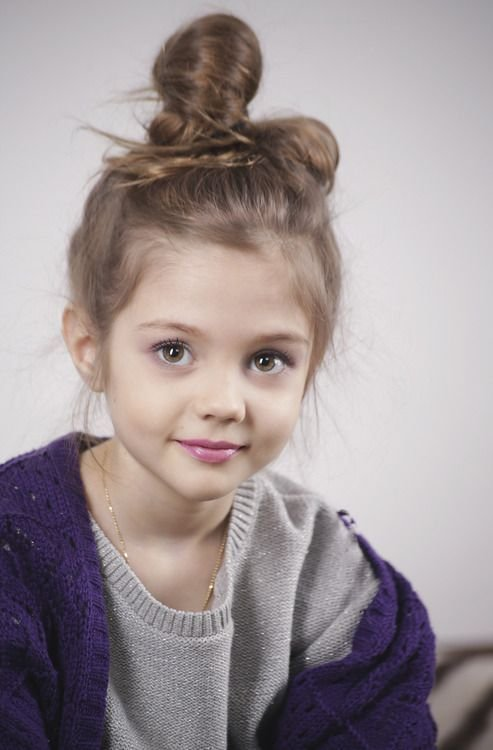 The Best Pretty Little Girl With A Bun Little Girls Hairstyles Pictures