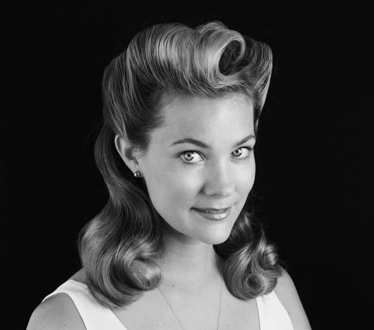 The Best Get The Look 1940 S Stage Makeup 1940S Hairstyles Pictures