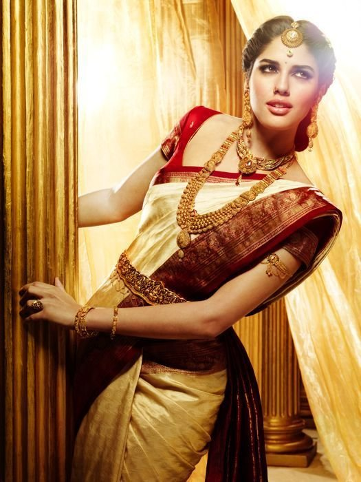 The Best Traditional Indian Wedding Hairstyles 15 Indian Makeup Pictures