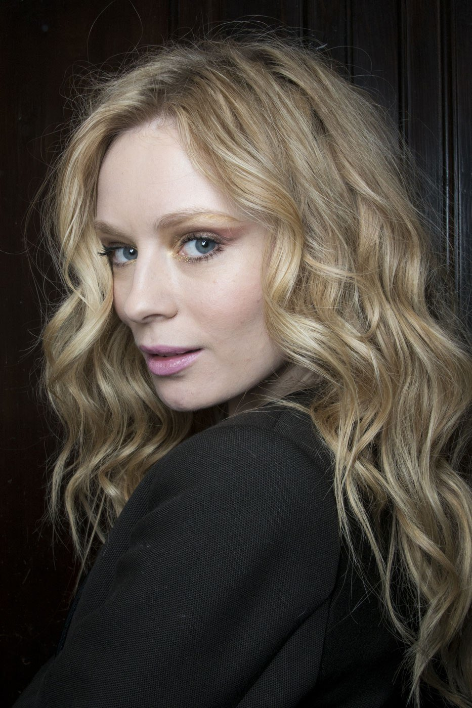 The Best How To Style Curly Hair In The Winter Stylecaster Pictures