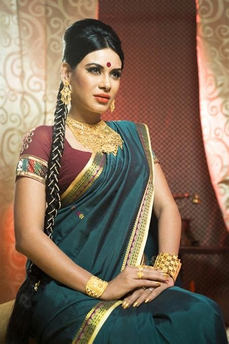 The Best 4 South Indian Bridal Hairstyles For Wedding Reception Pictures