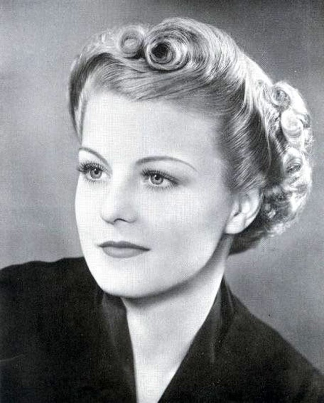 The Best Sleek And Wavy Characteristics Defined The 1930S Women S Pictures