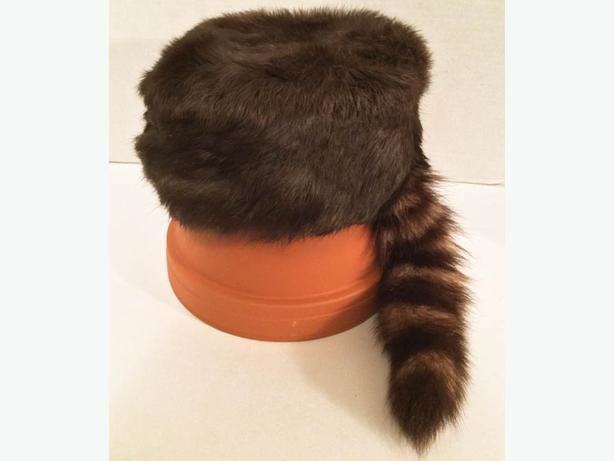 The Best Davy Crockett Style Fur Hat Raccoon Tail Montreal Montreal Pictures