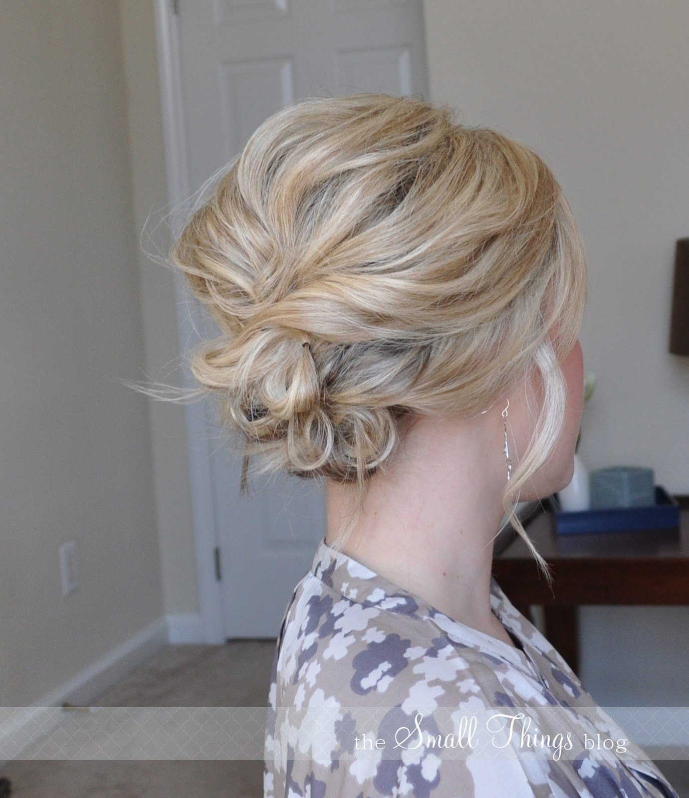 The Best Beach Wedding Hairstyles For Medium Length Hair Pictures