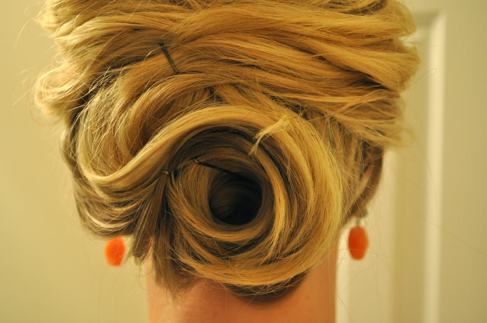 The Best Easy Pin Up Hairstyles For Medium Hair Hairstyle For Pictures