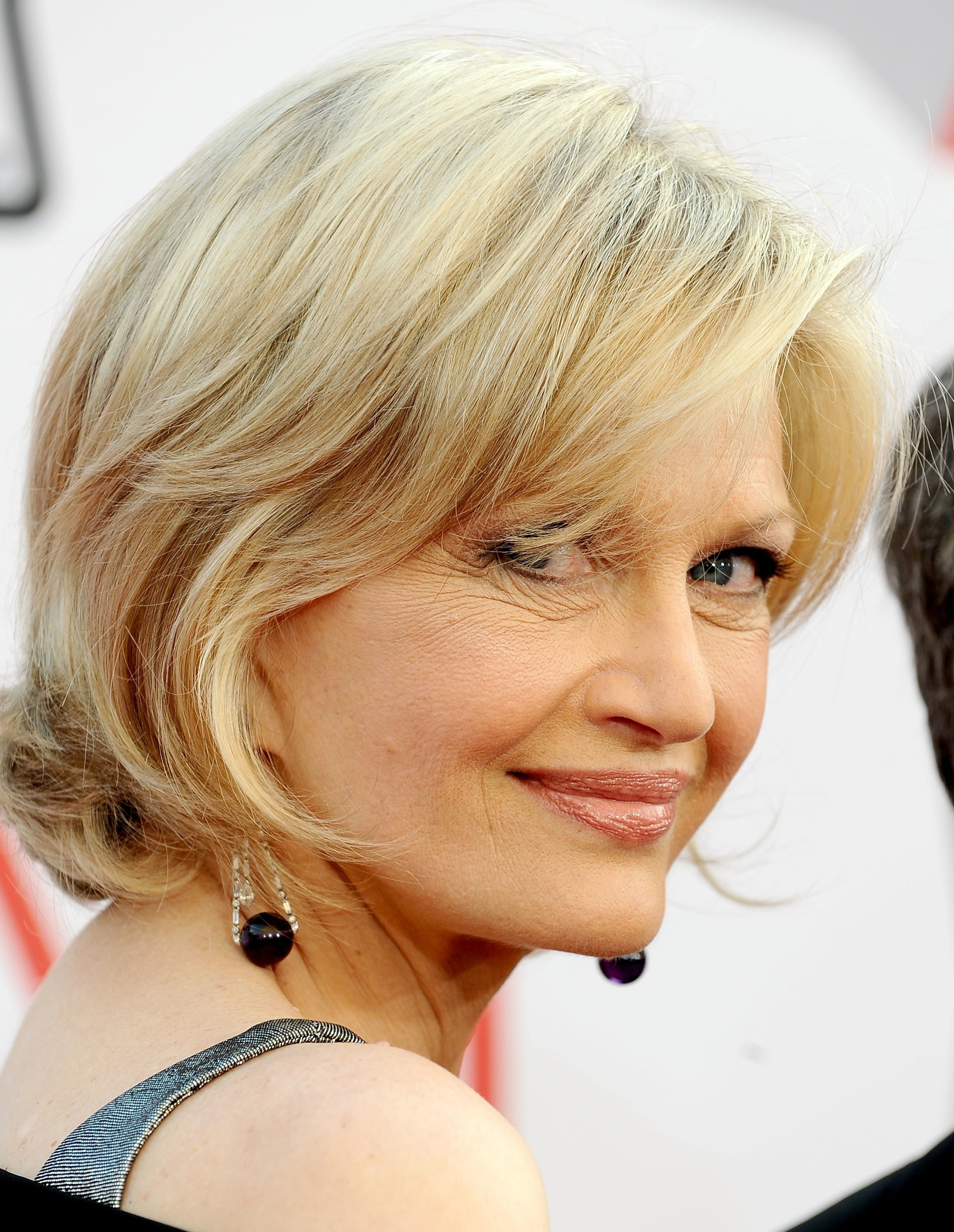 The Best 60 Year Old Woman Hairstyles Fade Haircut Pictures