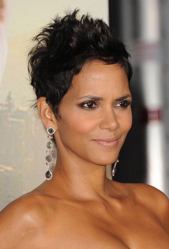 The Best Halle Berry Hairstyles Short Messy Black Pixie Cut Pictures