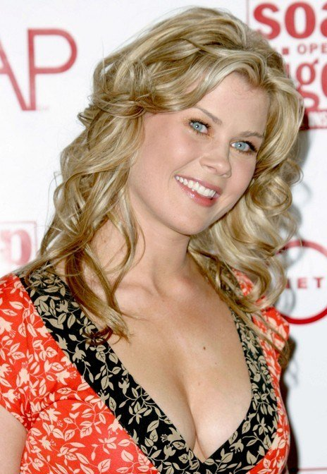 The Best Long Curly Wheat Blonde Summer Party Look Alison Sweeney Pictures