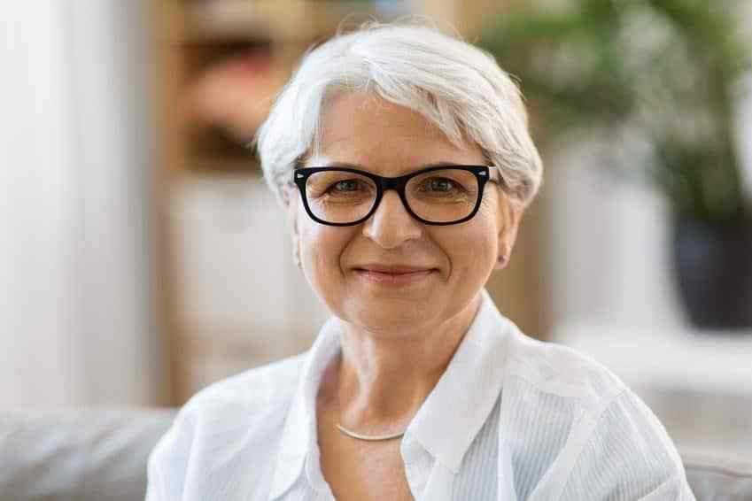 The Best 40 Classy Hairstyles For 50 To 60 Years Old Women With Glasses Pictures