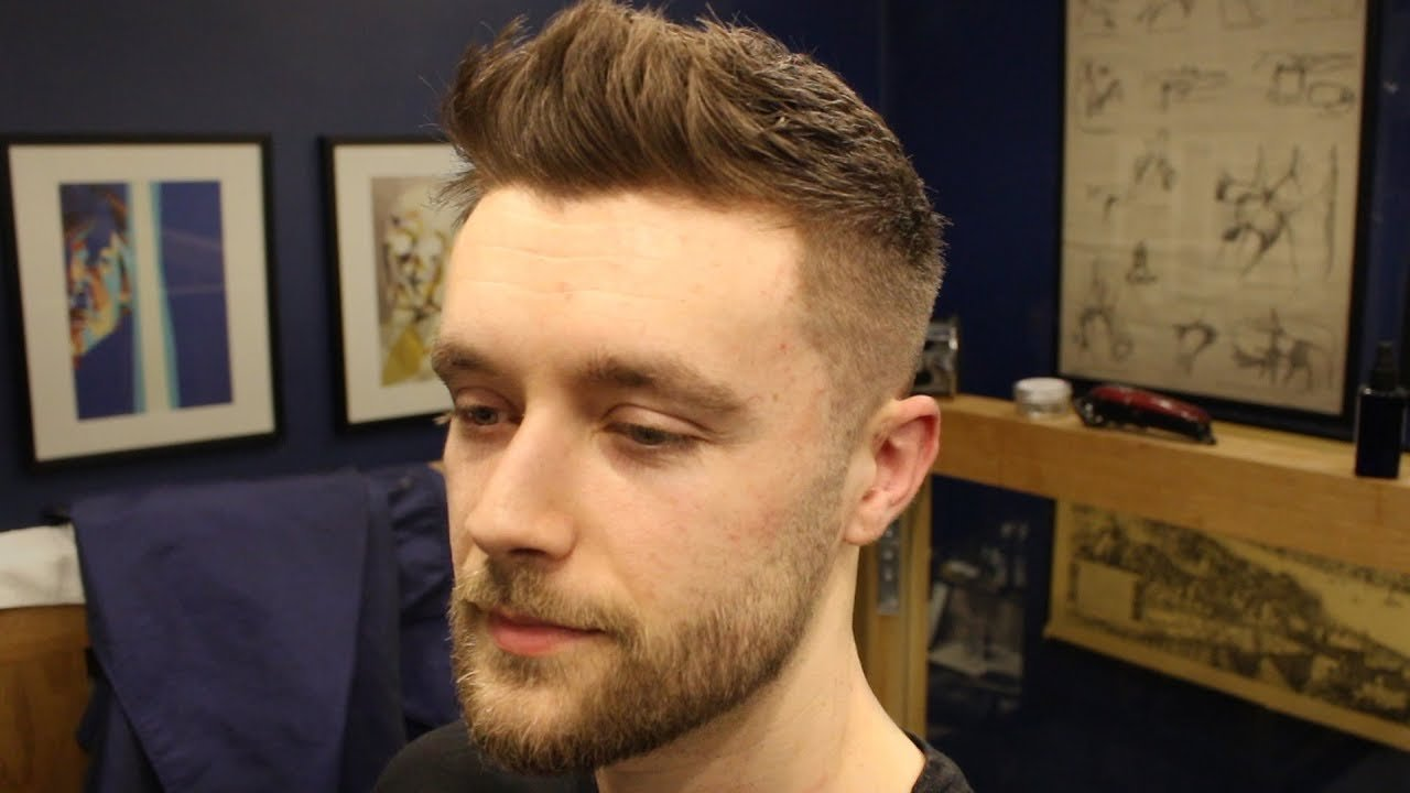 The Best Short Textured Men S Fade Haircut With Front Cowlick Pictures