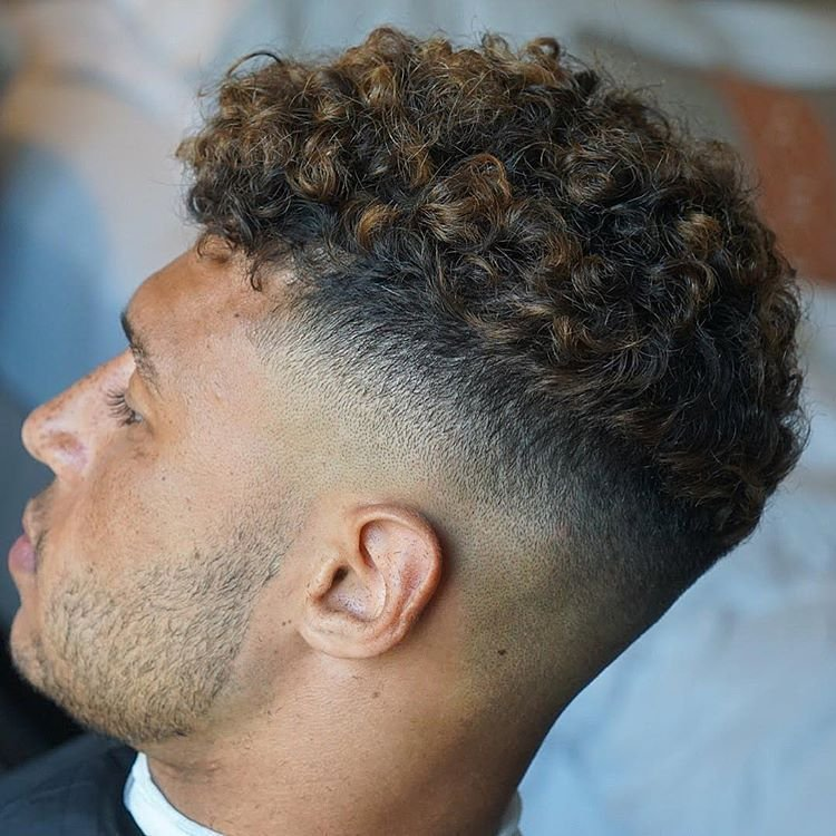 The Best 7 Sexiest Men's Curly Hairstyles Pictures