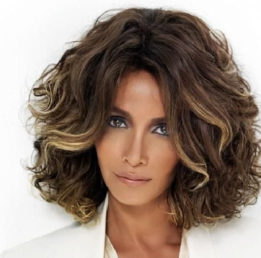 The Best Center Parted Long Bob Hairstyle With Teased Curls If You Pictures