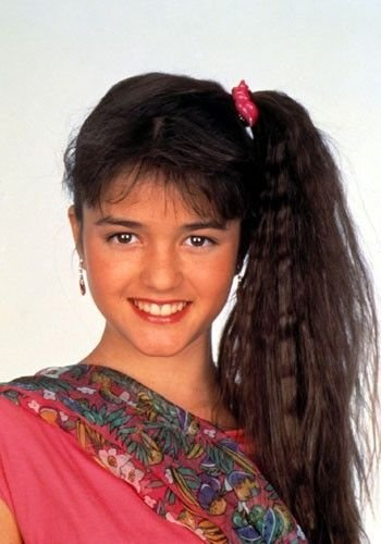 The Best Hairstyles From 80S Tv Shows Side Ponytails Pictures