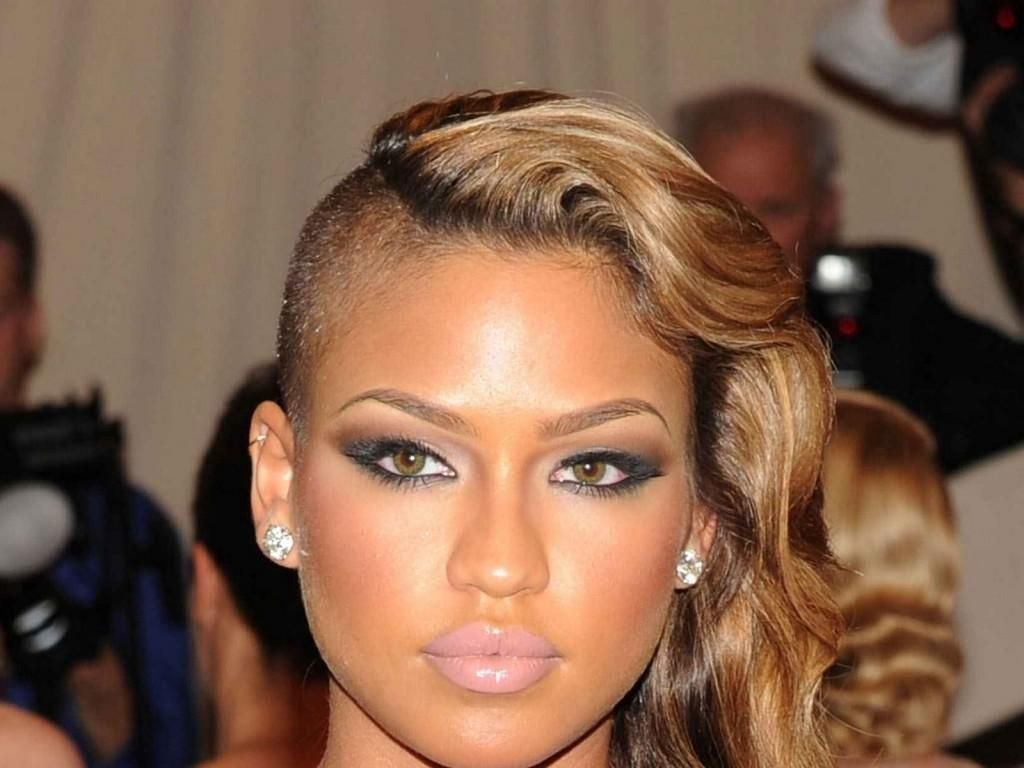 The Best Womens Hairstyles Shaved Sides With Wave Shaved Sides Pictures