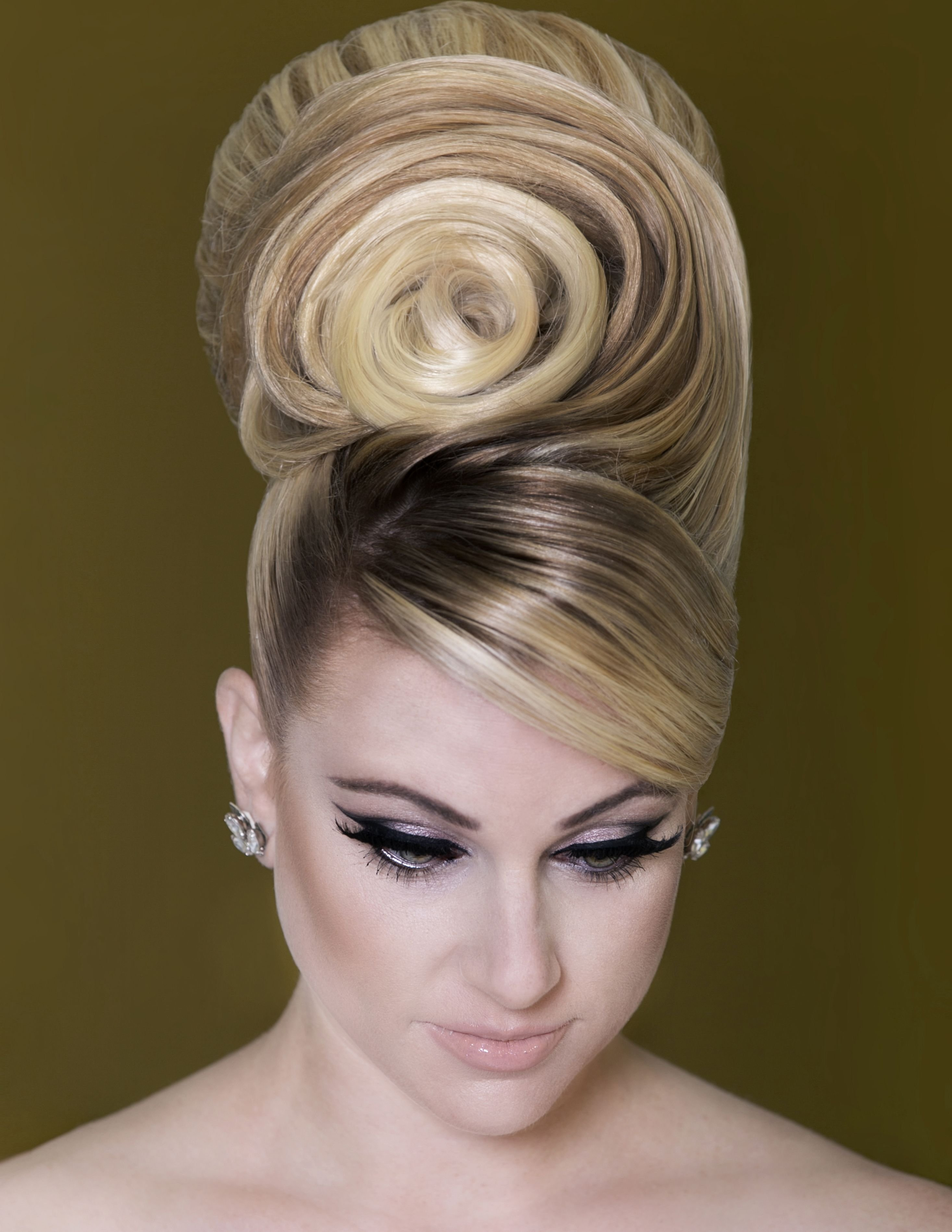 The Best Bridal Hairstyle Trends From Earthy To Dramatic The Pictures