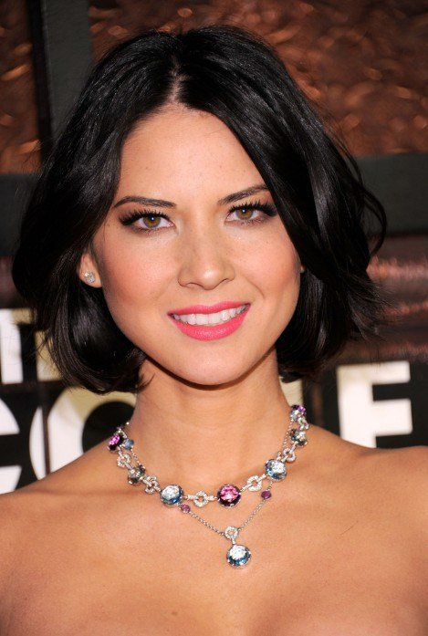 The Best Center Parted Black Bob Hairstyle With Waves Olivia Munn Pictures