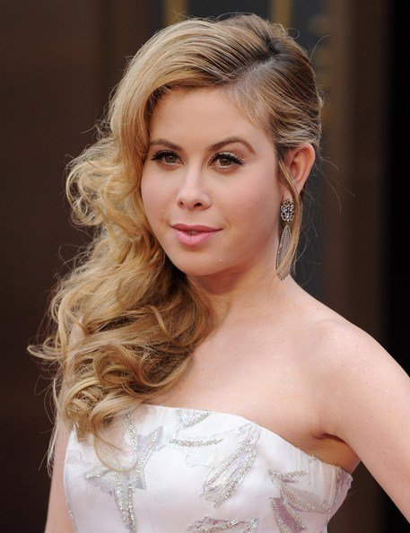 The Best 15 Celebrities Side Swept Hairstyles For Long Curly Hair Pictures