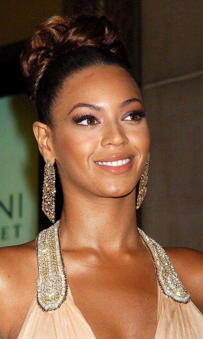 The Best Beyonce Top Knot Bun Hairstyle Pictures