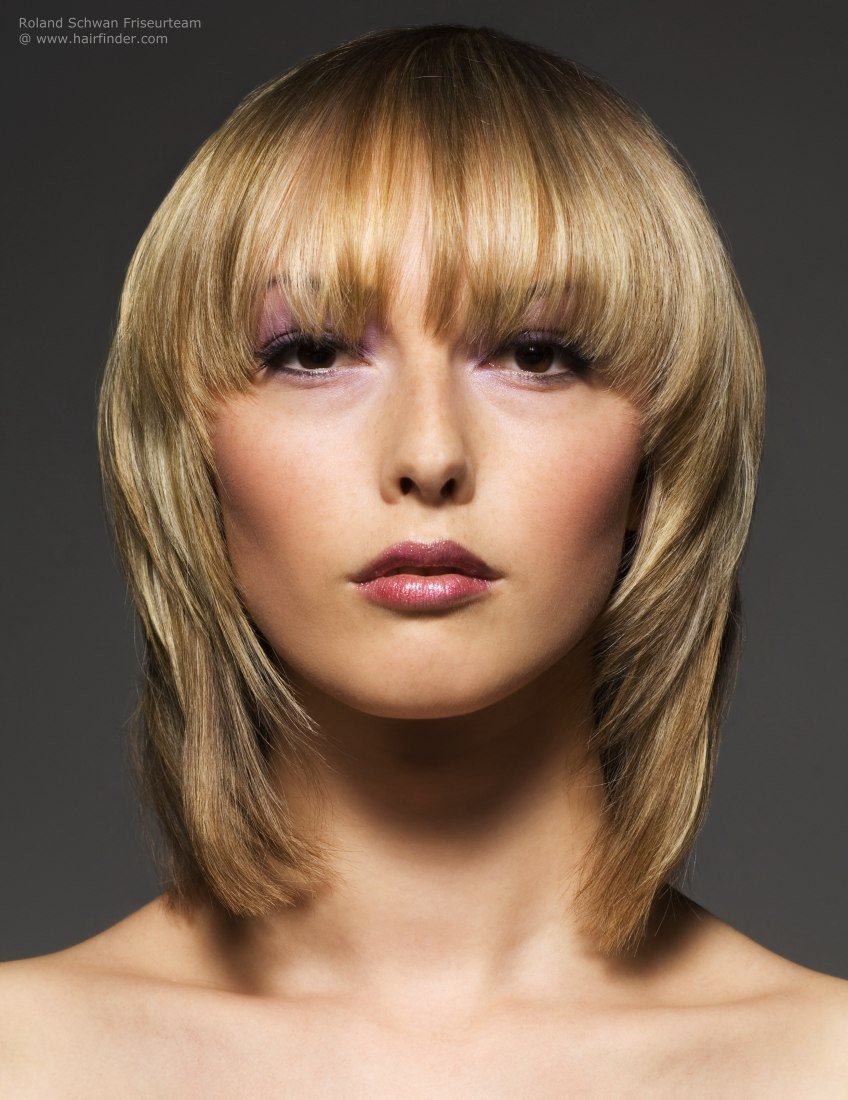 The Best Blonde Medium Length Hairstyle With Soft Contours And Pictures