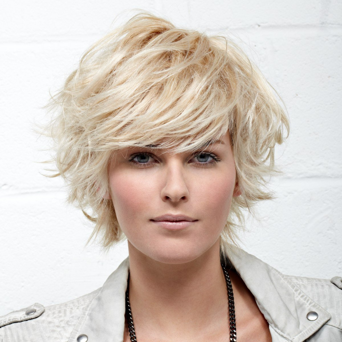The Best Feathery Short Haircut With The Ends Flipped Up And Out Pictures