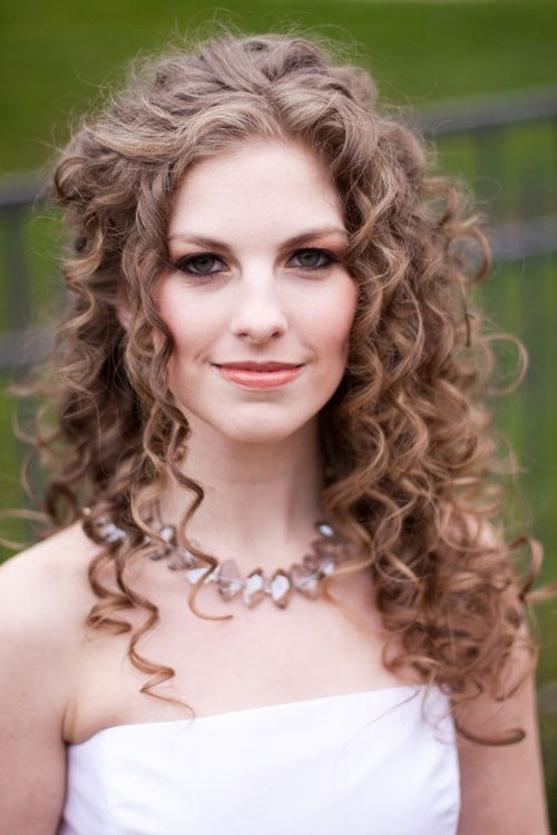 The Best 25 Fantastic Wedding Hairstyles For Curly Hair Creativefan Pictures